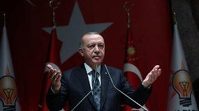 R.T.Erdoganas pareiškė, kad Turkija turi visas teises į aplinkines jūras ir imsis bet kokių priemonių joms pasiekti