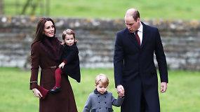Britų karališkoji šeima su mažaisiais princu ir princese apsilankė bažnyčioje