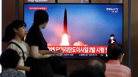 Šiaurės Korėja nepaiso draudimų: išbandė dvi balistines raketas praėjus kelioms dienoms po panašaus paleidimo