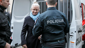 Į teismą atvežta N.Venckienė išgirdo nuosprendį: ji bus laikoma suimta du mėnesius