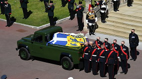 """Princas Philipas savo laidotuves planavo mažiausiai du dešimtmečius: specialus """"Land Rover"""" kurtas 16 metų"""