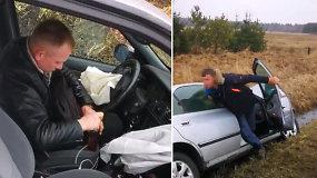 Po skaudžios avarijos ties Lapynais girtutėlis vairuotojas nepaleido trauktinės butelio