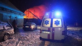 Panevėžio rajone gaisras be pastogės paliko penkias šeimas