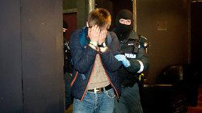 Policijos reidas naktiniame klube ir vėl pamokė narkotikų mėgėjus