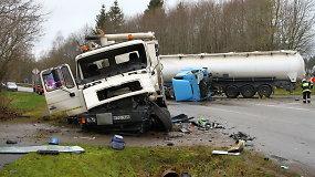 Panevėžio rajone – sunkvežimio ir vilkiko kaktomuša