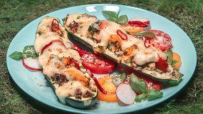 Vidurvasario sezono skanėstas: daržovėmis įdaryta cukinija su sūriu