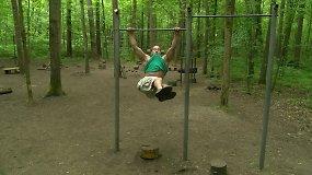 Pavasario iššūkis: pilvo preso pratimai kabant ant skersinio