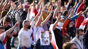 Nuo protestų aidinčiose Baltarusijos gatvėse sekmadienį buvo sulaikyta per 200 žmonių