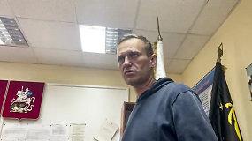 Paskutiniai A.Navalno žodžiai prieš išeinant į tardymo izoliatorių – raginimas nebijoti ir išeiti į gatves