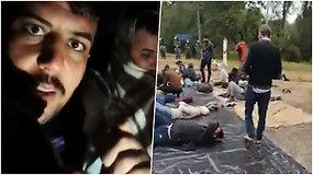 """Įstrigę Lietuvos-Baltarusijos pasienyje: migrantų filmuoti vaizdai iš """"niekieno žemės"""""""