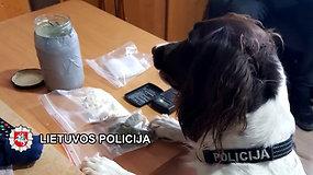 Kriminalistai sulaikė 10 asmenų, įtartų narkotinių medžiagų disponavimu
