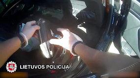 Policijos kratų Klaipėdos regione metu – stambus laimikis: rasta akcizais neapmokestintų rūkalų už daugiau nei 30 tūkst. eurų
