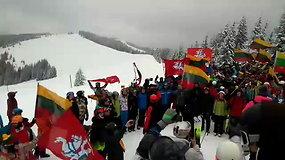 Lietuviai Bukovelyje paminėjo Vasario 16-ąją: giedojo Lietuvos himną ant aukščiausio kalno