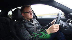 """Renkame """"Tautos automobilį 2020"""" : BMW 330i"""