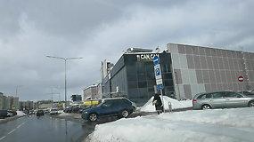 Ar aiški automobilio parkavimo tvarka LIDL parduotuvės aikštelėje Vilniuje, Ukmergės g.?