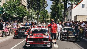 """Palangoje – minią žmonių pritraukęs """"Aurum 1006 km"""" paradas ir gera nuotaika trykštantys lenktynininkai"""