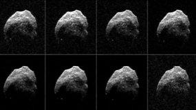 """NASA išplatino pro Žemę praskriejusios """"mirusios kometos"""" vaizdus"""