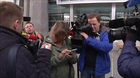 Sankt Peterburgo oro uoste laukia žuvusių lėktuvo keleivių artimieji