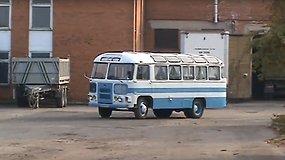 11 metų Kostas vairuoja seną autobusą  PAZ 672