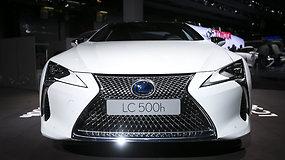 """""""Lexus LF-LC"""" koncepcinis modelis žavėjo parodos žiūrovus"""