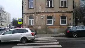 Vilniaus Tyzenhauzų gatvėje – vandentiekio avarija