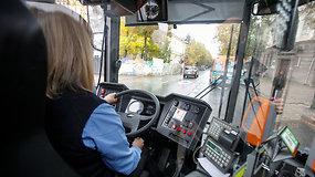 Kaunas atsinaujina: naujuose troleibusuose – USB lizdai, dviračių laikikliai ir vaizdo kameros