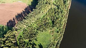 Vienu gražiausių pažintinių takų Lietuvoje pripažintas Kadagių slėnis iš paukščio skrydžio