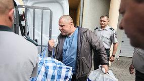 Kaune už pedofiliją suimtas A.Ulvidas neprarado nei geros nuotaikos, nei įžūlaus šmaikštumo