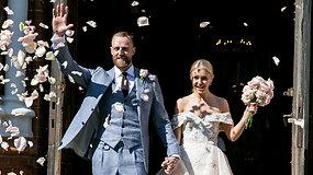 Krepšininkas Artūras Milaknis Palangoje vedė mylimąją Laurą Valeikaitę