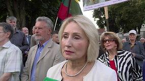 """Angelė Jakavonytė: """"Skaudžiausia, kad lentą nuėmė lietuvis"""""""