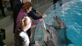 Prezidentė su Švedijos karaliumi ir karaliene apsilankė delfinariume