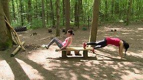 Pavasario iššūkis: pratimai pilvo presui kartu su drauge (-u)