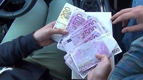 Eksperimentas: ar gėrimo dėžutėje telpa 90 tūkst. eurų grynais?
