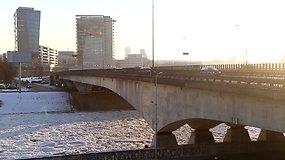 Pavojingiausios Vilniaus gatvės, kurios tampa labai slidžios prasidėjus snygiui