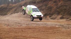 """Vaidoto Žalos ir """"Agrorodeo"""" komandos Dakaro automobilio bandymai Pagirių karjere"""