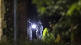 Kruvinas išpuolis Redinge susijęs su terorizmu: parke peiliu mirtinai subadyti trys žmonės, dar trys sunkiai sužeisti