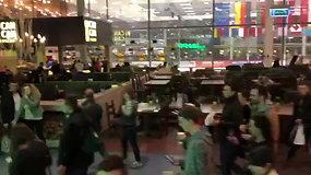 """Evakuacija dėl gaisro iš Vilniaus """"Akropolio"""""""