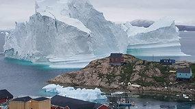 Didžiulis ledkalnis kelia grėsmę Grenlandijos miesteliui