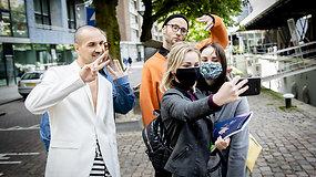"""Į pirmąjį """"Eurovizijos"""" pusfinalį driekiasi eilė: ko palaikyti atvyko užsieniečiai?"""