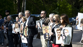 Lietuvos ir Baltarusijos žurnalistai susirinko prie pasienio su Baltarusija pareikšti protesto prieš A.Lukašenkos režimą