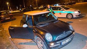 Naktinio reido metu įkliuvo neblaivi vairuotoja, pripūtusi 2,33 promilės