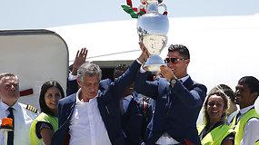 Lisabonoje naujieji Europos futbolo karaliai sutikti ištaigingai