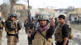Irako kariuomenė švenčia pergalę mūšyje su ISIS dėl Ramadžio