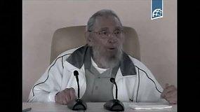 Kuboje viešai pasirodė 89-erių Fidelis Castro