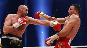 Vladimiro Klyčko dominavimas ringe baigtas – jį įveikė Tysonas Fury
