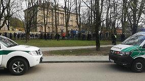 Vilniuje – veiksmo filmą primenančios masinės sirgalių muštynės, sutraukusios milžiniškas policijos pajėgas