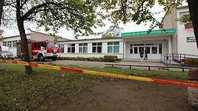 Apie nebūtus sprogmenis mokykloje pranešusio anonimo ieško policija