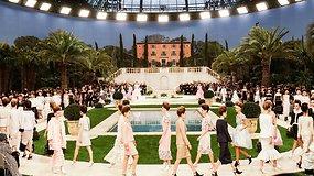 """""""Chanel"""" 2019 m. aukštosios mados kolekcija: neįprasta nuotaka ir nepasirodęs K.Lagerfeldas"""