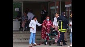 Evakuojami Kauno Akių klinikos pacientai ir darbuotojai