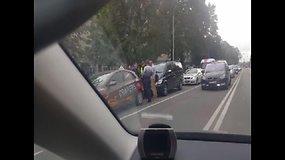 Vilniuje į avariją pateko mokomasis automobilis
